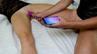 Kaugjuhitava vibraatoriga naisele 3 orgasmi järjest